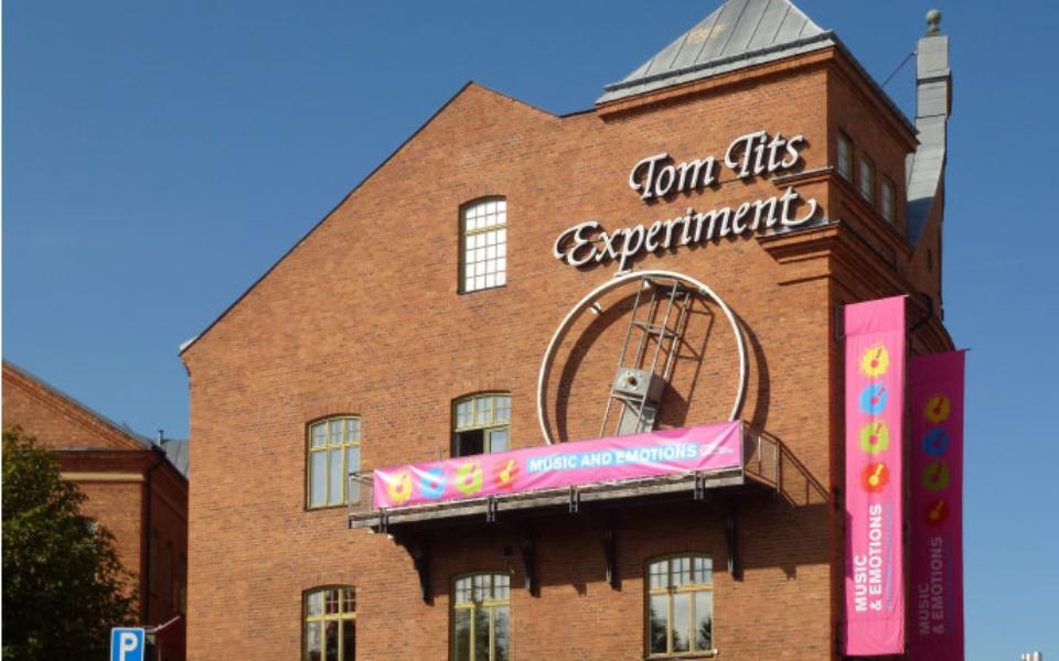 Tom_Tits_Experiment